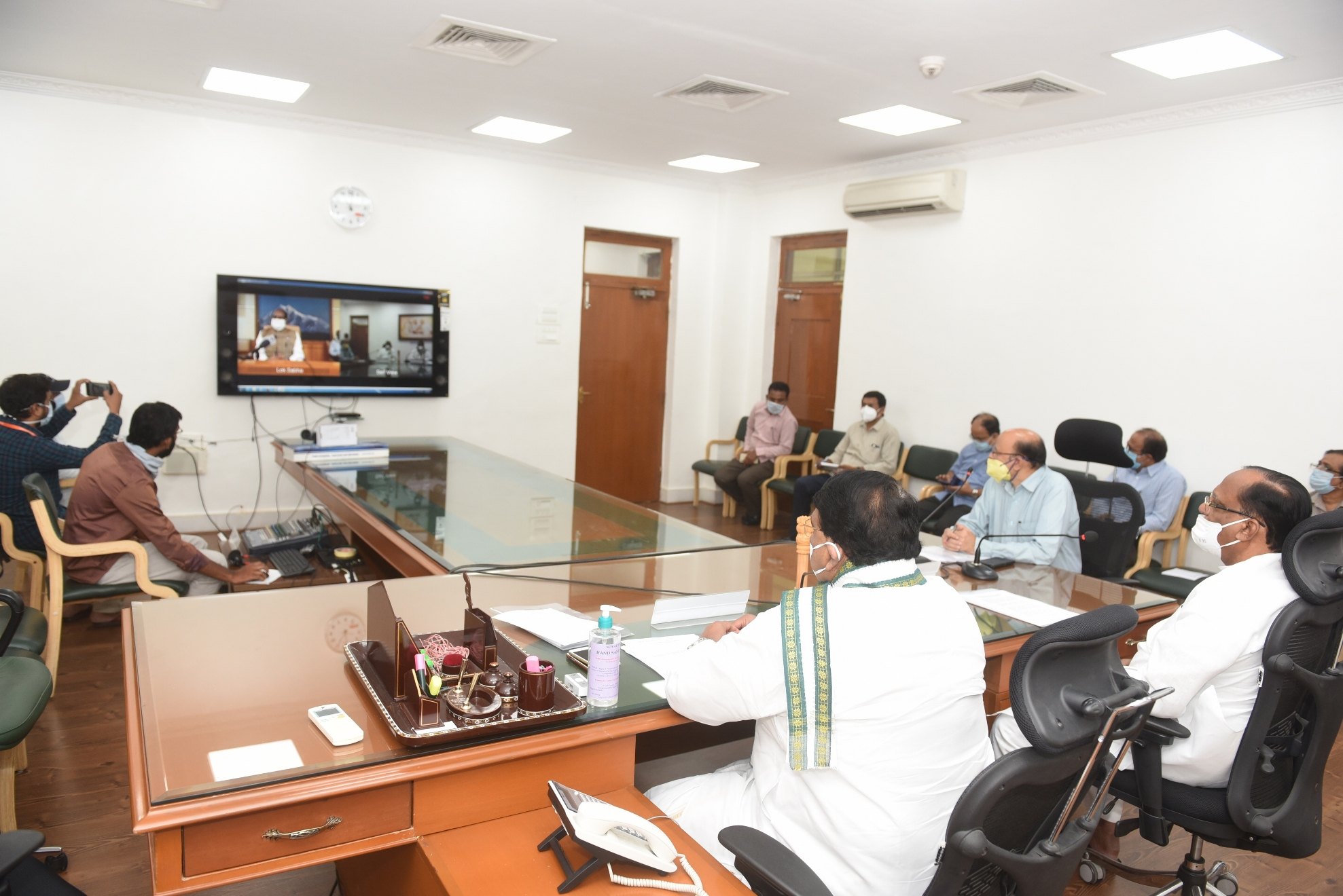 https://legislation.telanganalegislature.org.in//PreviewPage.tsl?filePath=basePath&fileName=Gallery/Presiding Officers of Telangana Legislature Video Conference with Honourable Speaker, Lok Sabha on 21.04.2020./2.JPG