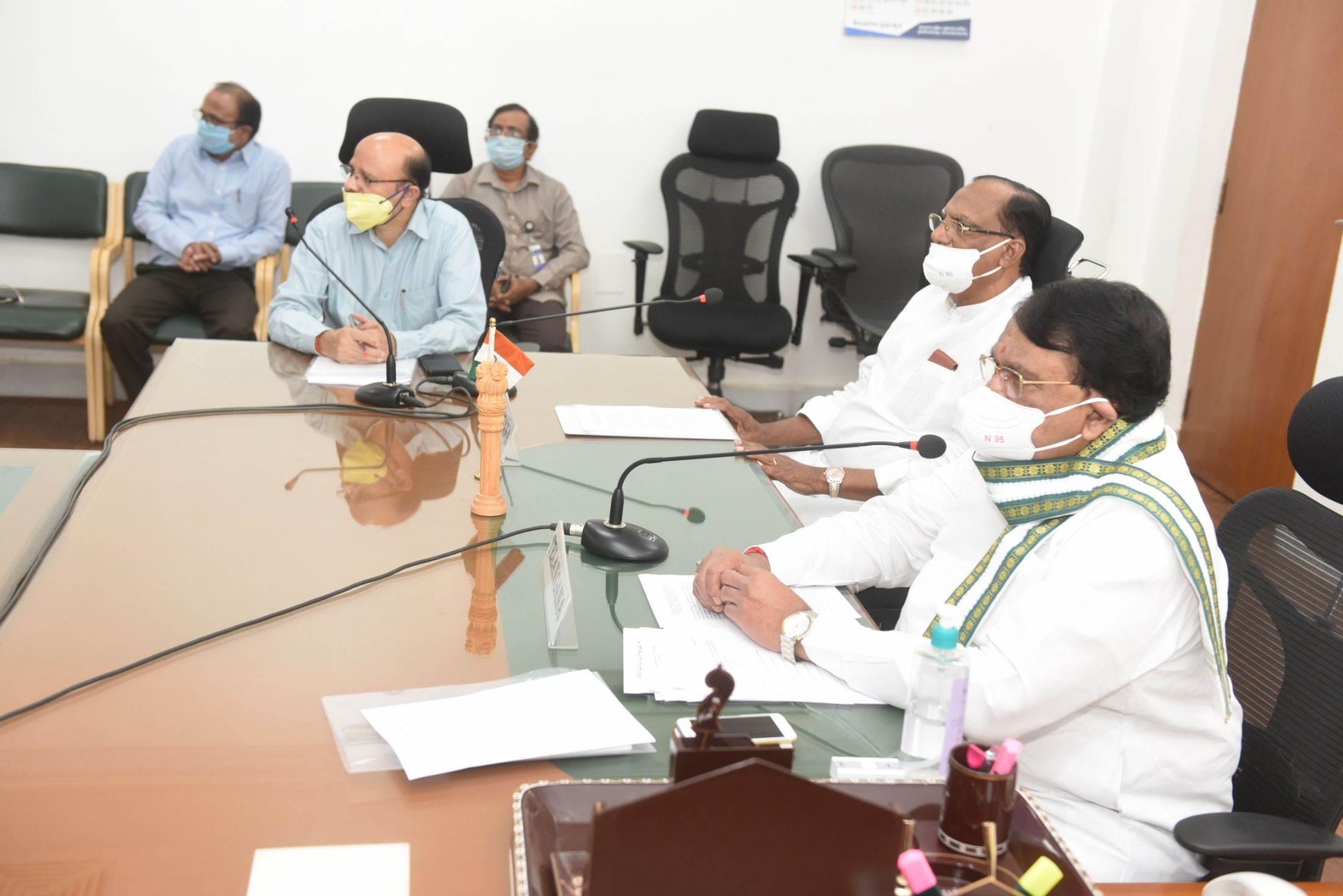 https://legislation.telanganalegislature.org.in//PreviewPage.tsl?filePath=basePath&fileName=Gallery/Presiding Officers of Telangana Legislature Video Conference with Honourable Speaker, Lok Sabha on 21.04.2020./4.JPG